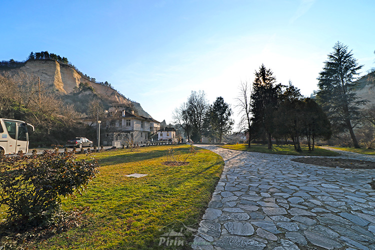Паркът в Мелник