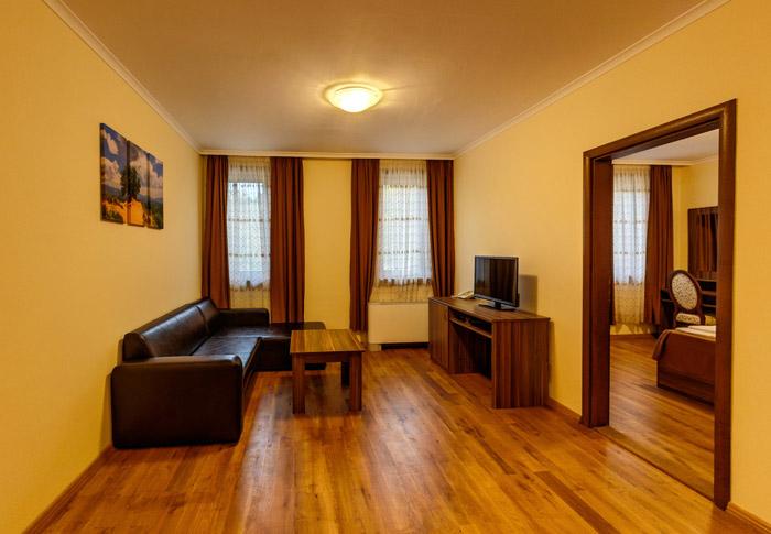 Луксозен апартамент, Хотел Речен рай