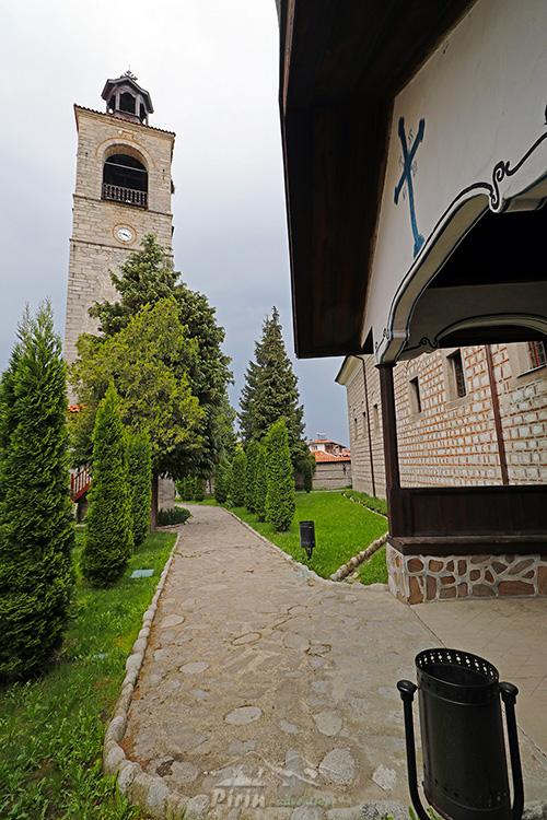 Църква Света Троица, Банско